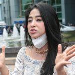 Dewi Perssik Ketahuan Tak Pakai Cincin Nikah