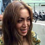 Suap-suapan sama Bule Ganteng, Jessica Iskandar Diperingatkan soal Covid-19