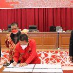 Pemkab Landak dan DPRD Tandatangani KUA PPAS RAPBD 2022