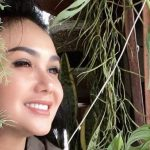 Intip 5 Momen Yuni Shara Lakukan Pekerjaan Rumah