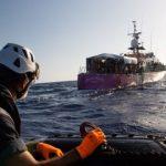 Kapal Pengangkut Migran Terbalik, Puluhan Jenazah Mengapung di Laut
