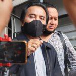 Polisi Periksa Roy Suryo Soal Kasus Dugaan Fitnah Tabrak Lari Artis Lucky Alamsyah