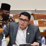 Arteria Dahlan Sedih Kader PDIP jadi Tahanan Kejagung: Mungkin Ditahan karena Pesanan