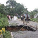 Jalan dan Jembatan Rusak Dihantam Banjir, Pemkab Landak Usulkan Perbaikan ke Pempus dan Pemprov Kalbar