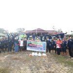 Kejari Landak Bersama LJC Bantu Warga Terdampak Banjir di Menyuke