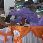 Dokter Tunda Vaksinasi COVID-19 Perdana Bupati Ketapang, Ini Alasannya