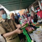 Bangkitkan Geliat UMKM di Masa Pandemi, Bang ERKA Motivasi Pedagang Takjil Pasar Dahlia