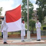 Wakil Bupati Landak Pimpin Upacara Penurunan Bendera