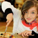 5 Cara Seru Kenalkan Camilan Sehat Untuk Anak
