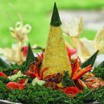 Rayakan HUT RI Ke-75, Begini Cara Membuat Sajian Tumpeng Nasi Kuning